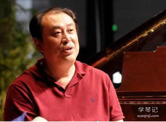 著名钢琴教育家、中央音乐学院教授张晋
