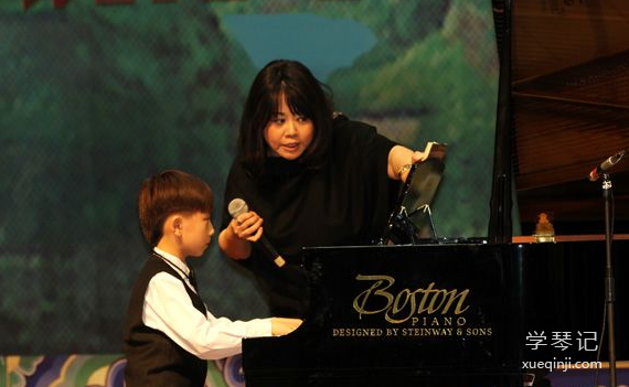 茅为蕙钢琴家
