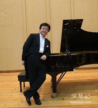 钢琴家、指挥家,上海音乐学院钢琴系主任李坚