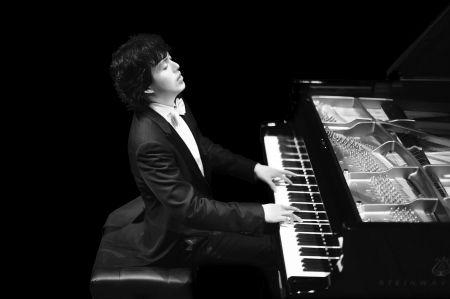 国际钢琴家李云迪