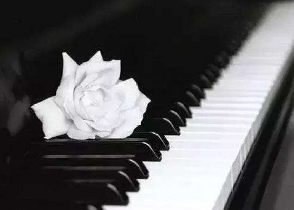 长期不调音毁了钢琴和孩子