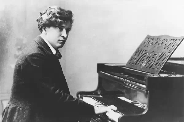 意大利钢琴家、作曲家费卢西奥·布索尼