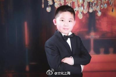 第11届霍洛维茨国际青年钢琴比赛中,上海音乐学院附小五年级学生劳睿斯(11岁)获得少年组第一名以及最年轻决赛者特别奖