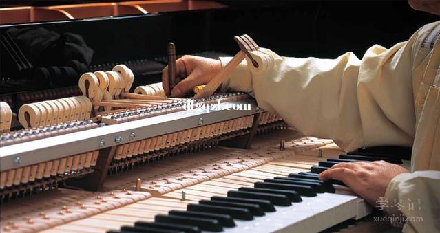 钢琴为什么要定期调音