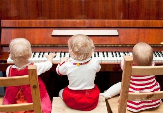 """""""为什么钢琴一定要从小就学起?"""""""