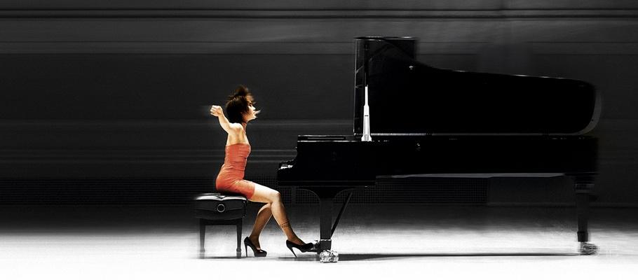 女钢琴家王羽佳(Yuja Wang)