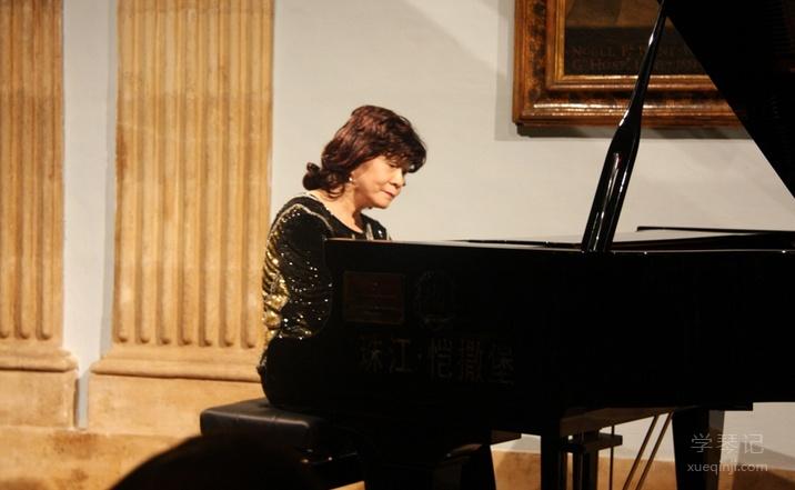 鲍蕙荞是中国最著名的钢琴家之一
