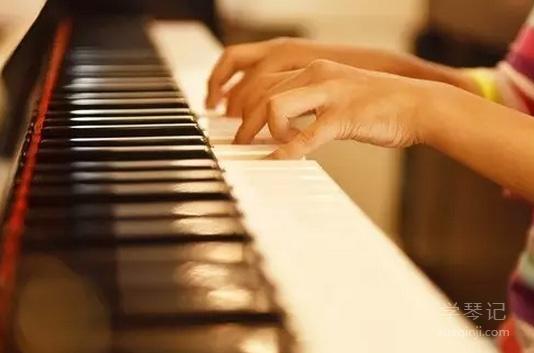 钢琴:成长的旋律一路有你