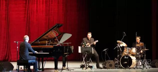 德国最卖座的创意钢琴大师