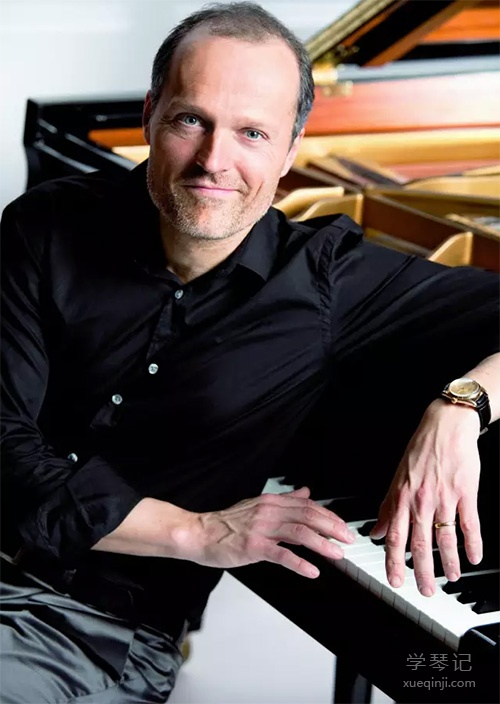 德国最卖座的创意钢琴大师尤雅