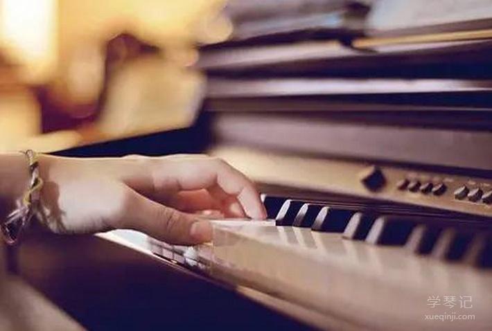 简析钢琴的三种奏法(断,跳,连)