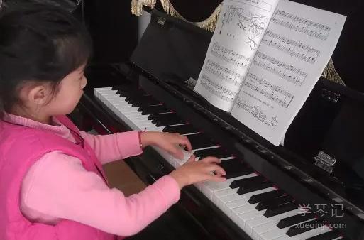 孩子学琴一年后家长的心得分享