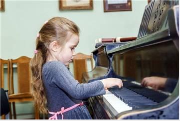 】琴童家长应该这样督促孩子学钢琴!