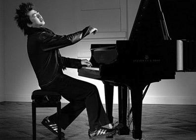 浅谈钢琴演奏的肢体语言