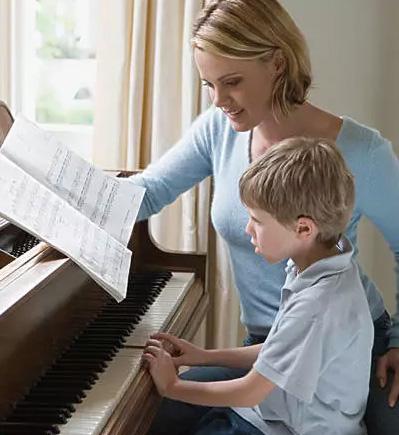 家长不懂钢琴,怎么陪孩子练钢琴?