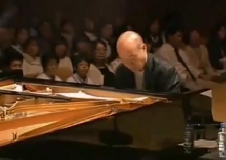 音乐大师久石让演奏《summer》,过耳不忘的好旋律,百听不厌!