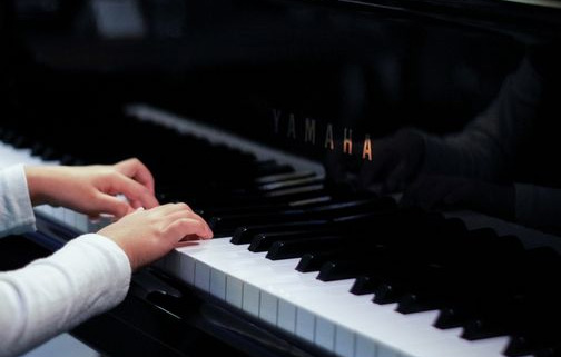 钢琴指法的安排原则