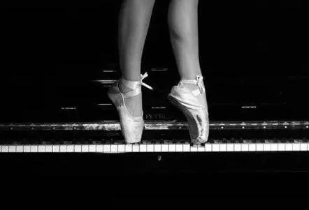 白玉认主,钢琴选人--七招教你选钢琴