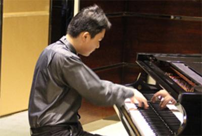 成人学琴:教材选择及注意事项