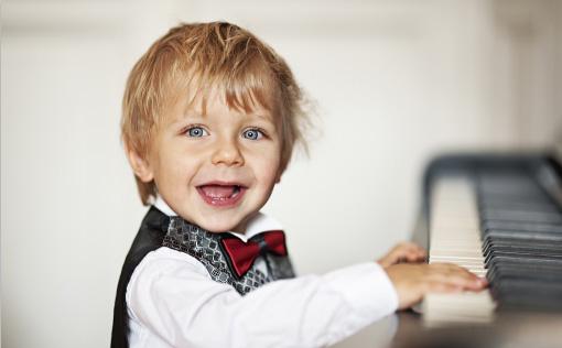 怎样让孩子在枯燥的钢琴练习中找到快乐?