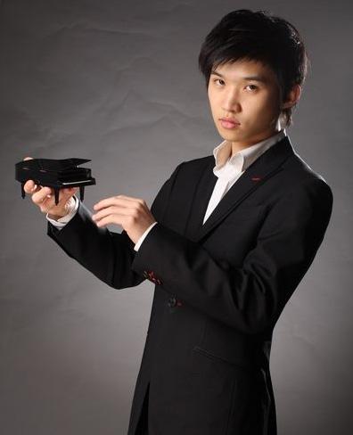 当代青年钢琴家--鲍释贤