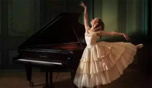 """我用刷500次朋友圈的时间""""学会了""""弹钢琴!"""
