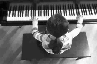 学习肯定是苦的,学钢琴也不例外。