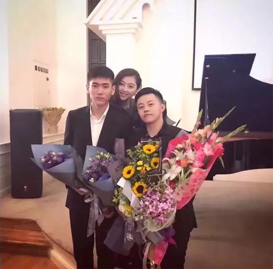 右起:李梓仟、凌波仙子、于光曲三位年轻艺术家音乐会后合影
