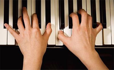 弹钢琴黑键遇到的困难以及解决办法