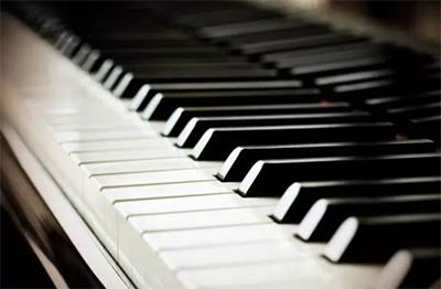 练琴不一定要在琴键上,还有一种方法叫无声练习!