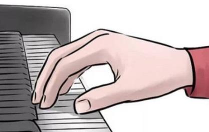 练好音阶,手指才能在钢琴上舞蹈。