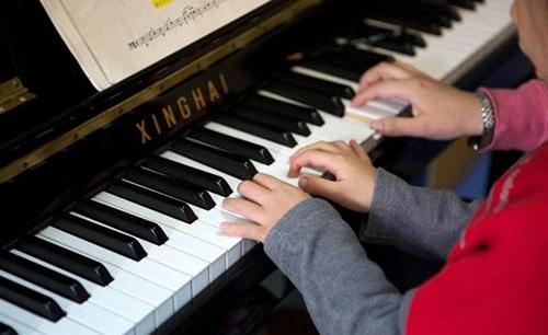 成人与儿童在钢琴教学中的不同特点