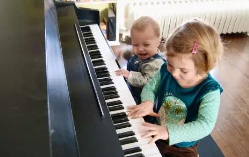 孩子学琴,切勿从一个极端走向另一个极端!