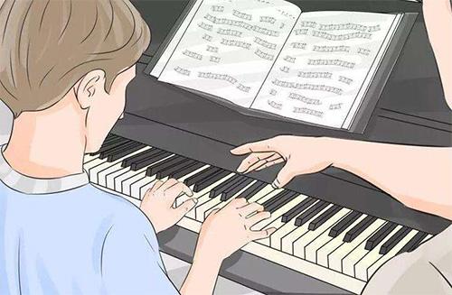 新人学弹钢琴的技巧