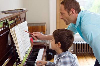 钢琴课一定要一对一教学吗?