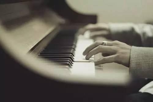 学钢琴想要换老师?这几个问题得先考虑!