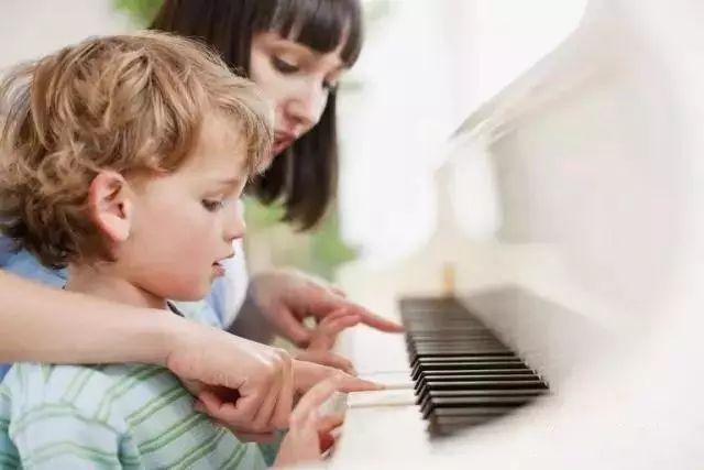 孩子学钢琴,家长正确的参与方式