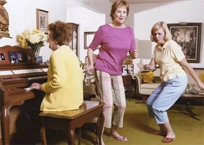 年过半百,为什么还选择学钢琴?