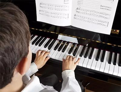 """钢琴中的""""快练""""与""""慢练""""到底如何平衡?"""