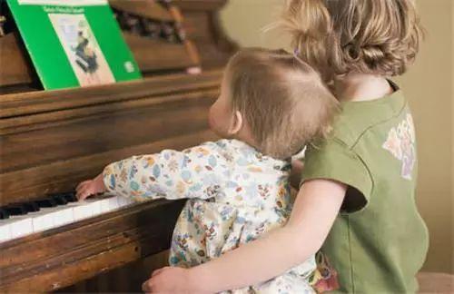 从怀孕到6岁,开发孩子音乐才能的时间表
