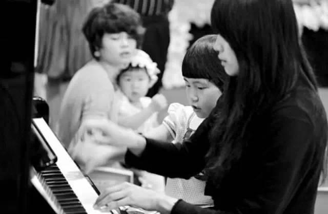 会陪练的妈妈,胜过钢琴名师!