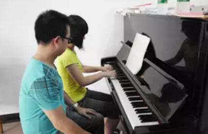 如何区别钢琴老师的水平,找到一位好老师很重要