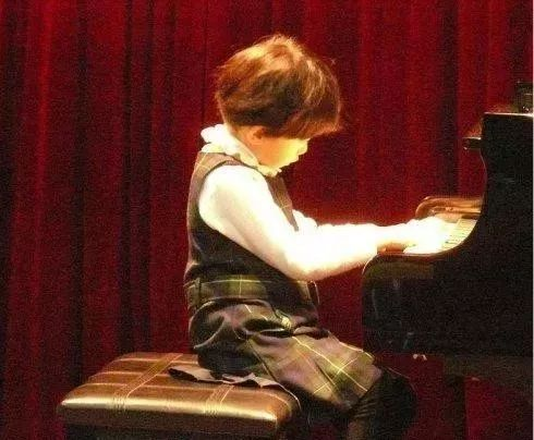 学钢琴是3分学,7分练!