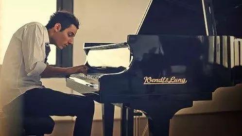 世界上弹奏钢琴最快的男人,燃爆了!