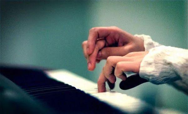 孩子学琴兴趣减弱不愿练琴该怎么办?