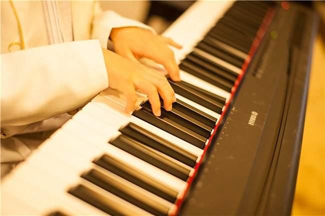 """把这""""五个字""""贴在琴上,练琴效率高多了~"""