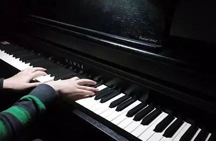 成人学习钢琴应注意的问题及方法