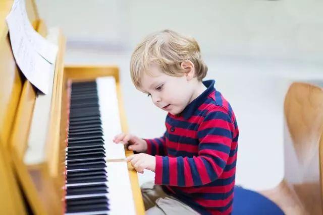 著名钢琴教育家但昭义:如何让演奏变得更流畅?