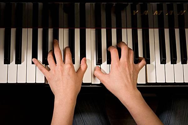 """这有一篇很中肯的钢琴老出""""错音""""的分析和解决文章"""